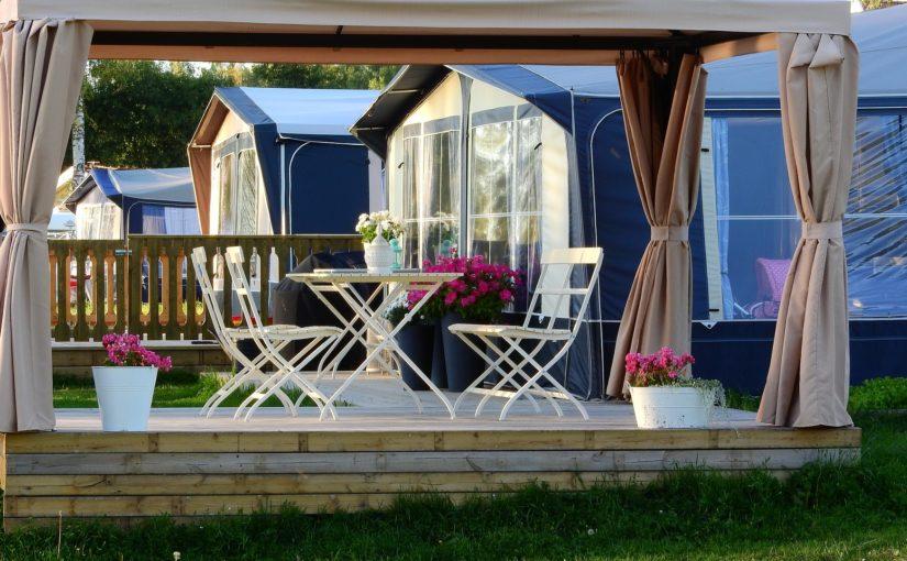 Une idée pour votre jardin : la construction d'une pergola